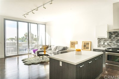 Long Beach Condo/Townhouse For Sale: 433 Pine Avenue #406