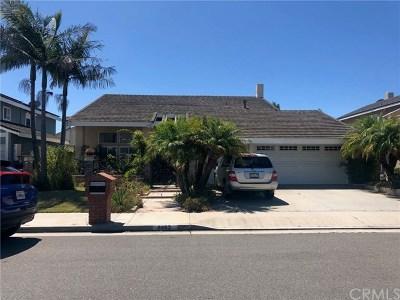 Huntington Beach Single Family Home For Sale: 8462 Deepcliff Drive