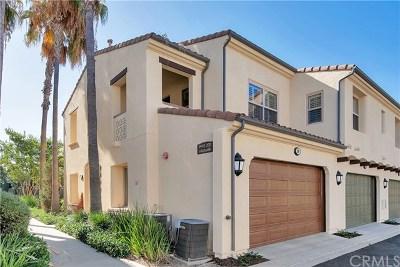 Irvine Condo/Townhouse For Sale: 99 Hallmark