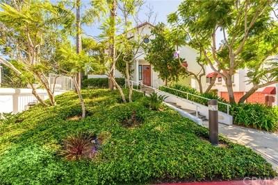 Huntington Beach Condo/Townhouse For Sale: 7582 Seabluff Drive #101