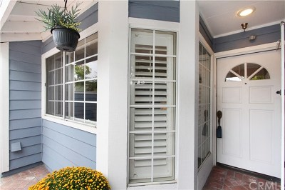 Huntington Beach Condo/Townhouse For Sale: 19096 Queensport Lane #C