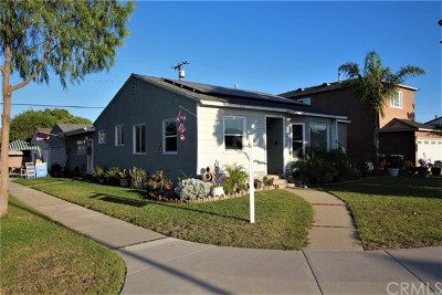 Lakewood Single Family Home For Sale: 4354 Vangold Avenue