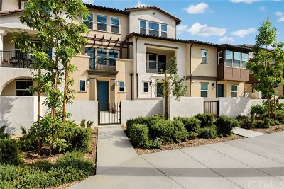 Glendora Condo/Townhouse For Sale: 545 W Foothill Boulevard #83