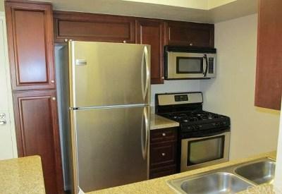 Woodland Hills Condo/Townhouse For Sale: 21500 Burbank Boulevard #216