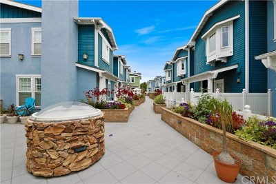 Manhattan Beach Condo/Townhouse For Sale: 229 Aviation Place