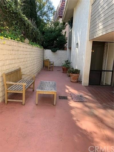 Palos Verdes Estates, Rancho Palos Verdes, Rolling Hills Estates Condo/Townhouse For Sale: 2545 Via Campesina #102