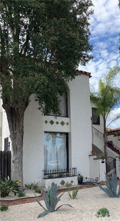Long Beach Multi Family Home Active Under Contract: 809 Stanley Avenue