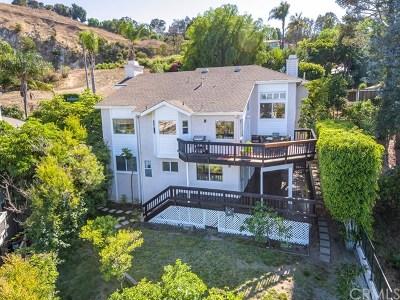Single Family Home For Sale: 24651 Via Valmonte