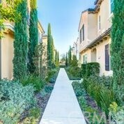 Irvine CA Condo/Townhouse For Sale: $798,888