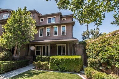Tustin Condo/Townhouse For Sale: 136 Liberty Street