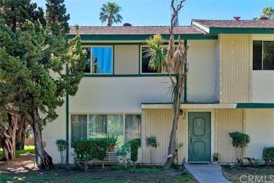 Tustin Condo/Townhouse For Sale: 1722 Mitchell Avenue #41