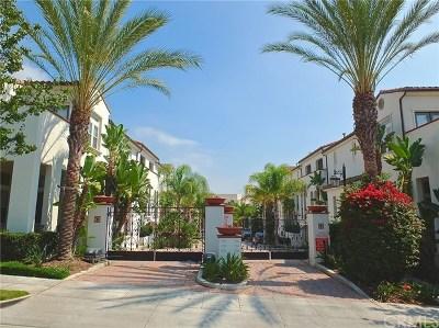 Long Beach Condo/Townhouse For Sale: 1752 Grand Avenue #2