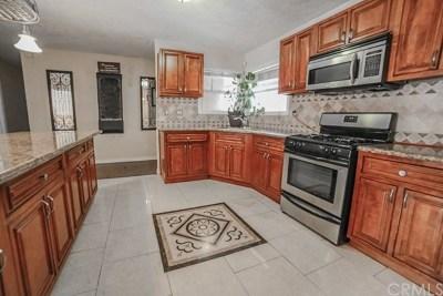 Anaheim Single Family Home For Sale: 2526 E Tennyson Avenue