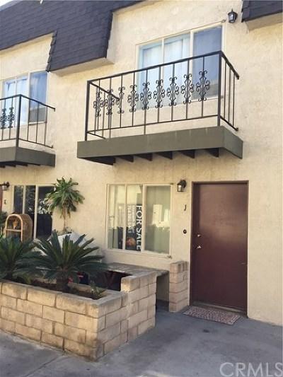 Santa Ana Condo/Townhouse For Sale: 2225 N Broadway #J