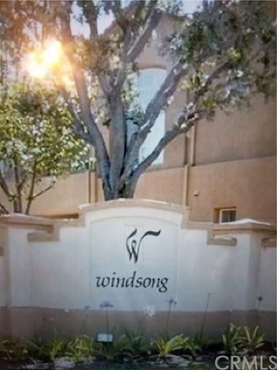 Aliso Viejo Condo/Townhouse For Sale: 17 Windridge