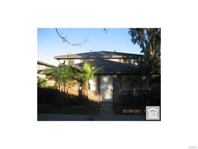 Santa Ana Condo/Townhouse For Sale: 1106 S Mantle Lane #33A
