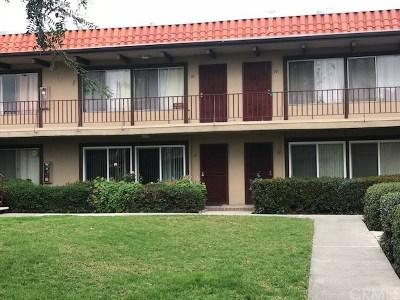 Santa Ana Condo/Townhouse For Sale: 1400 W Warner Avenue #13
