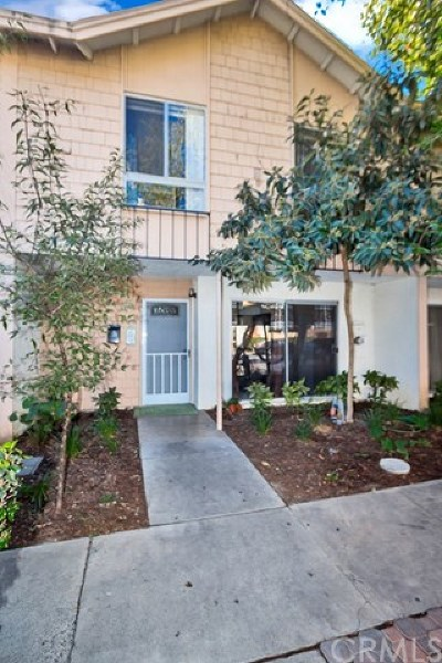 Tustin Condo/Townhouse For Sale: 16600 Townhouse Drive
