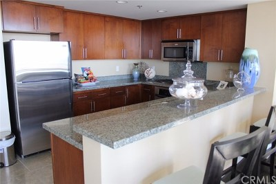 Long Beach Condo/Townhouse For Sale: 411 W Seaside Way #904