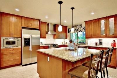 Huntington Beach Condo/Townhouse For Sale: 8305 Milano Drive #8