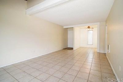 Santa Ana CA Condo/Townhouse For Sale: $280,000