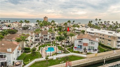 Huntington Beach Condo/Townhouse For Sale: 16276 Pacific Circle #A