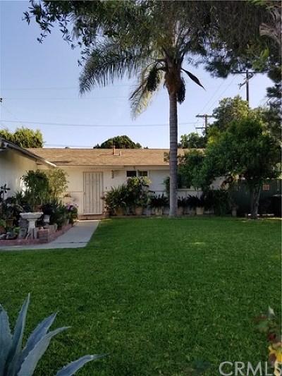 Lakewood Single Family Home For Sale: 12602 Stillman