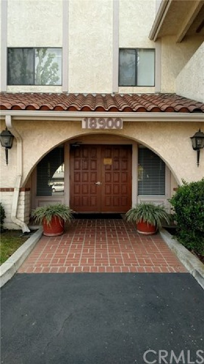 Huntington Beach Condo/Townhouse For Sale: 18900 Delaware Street #231