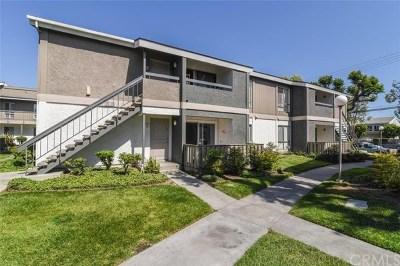 Santa Ana Condo/Townhouse For Sale: 2863 S Fairview Street #E