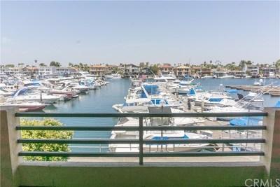 Huntington Beach Condo/Townhouse For Sale: 4165 Warner Avenue #102