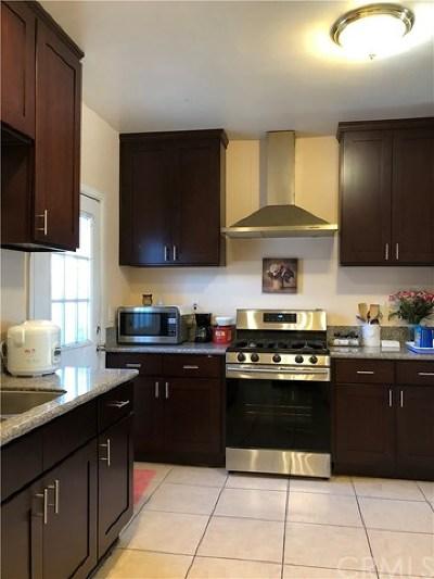 Long Beach Single Family Home For Sale: 1401 Gardenia Avenue