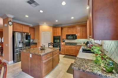 Eastvale Single Family Home For Sale: 14427 Campfire Place