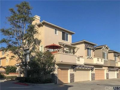 Los Alamitos Condo/Townhouse For Sale: 2944 Claremore Lane