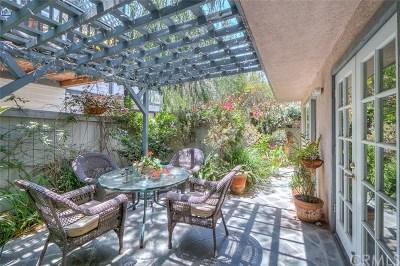 Costa Mesa Condo/Townhouse For Sale: 169 Merrill Place #A