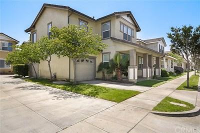 Carson Condo/Townhouse For Sale: 22818 Serra Drive