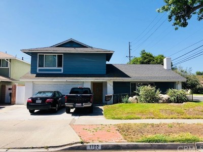 Santa Ana Single Family Home For Sale: 1702 E Fruit Street