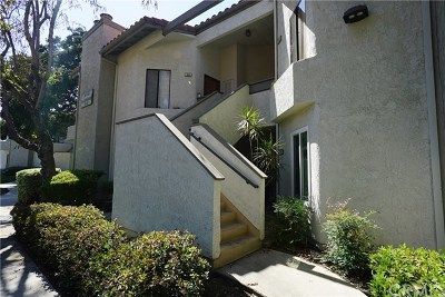 Pomona Condo/Townhouse For Sale: 29 Town And Country Road