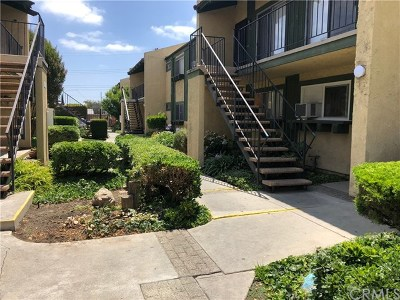 Hawaiian Gardens Condo/Townhouse For Sale: 21606 Belshire Avenue #5
