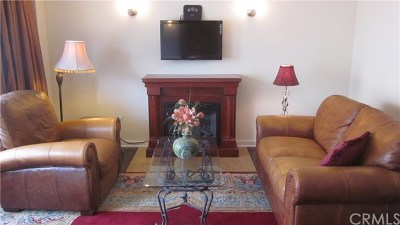 Long Beach Single Family Home For Sale: 128 Lime Avenue #1