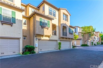 Irvine Condo/Townhouse For Sale: 28 Dovetail