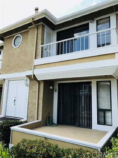 Anaheim Condo/Townhouse Active Under Contract: 110 S Seneca Circle #6