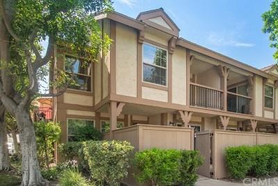Orange Condo/Townhouse For Sale: 444 S Tustin Street #F4