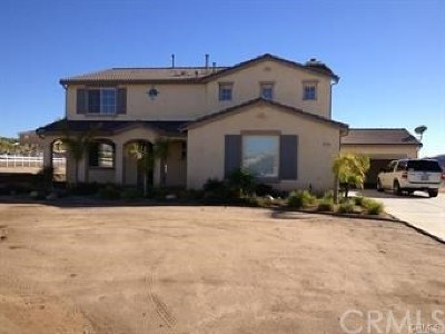 Perris Single Family Home For Sale: 19189 Nuthatch Street