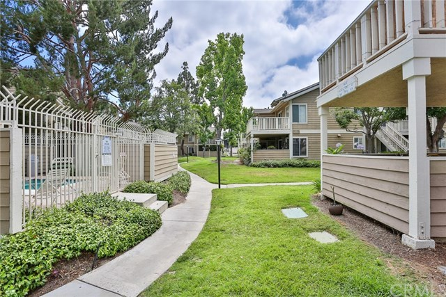 Listing: 6952 Brightwood Lane #4, Garden Grove, CA.| MLS# PW18206469 ...