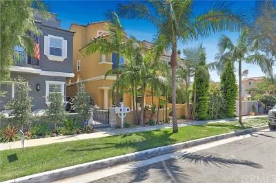 Huntington Beach CA Single Family Home For Sale: $1,600,000