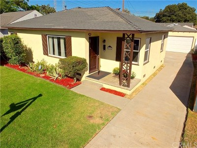 Lakewood Single Family Home For Sale: 6160 Pepperwood Avenue