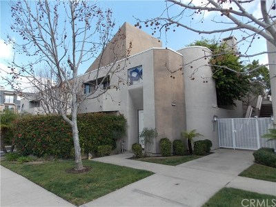 Seal Beach CA Condo/Townhouse For Sale: $459,900