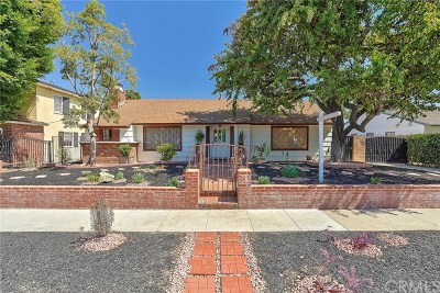 Long Beach Single Family Home For Sale: 4390 Cerritos Avenue