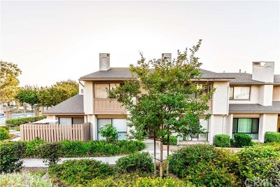 Buena Park Condo/Townhouse For Sale: 44 Candlewood Way