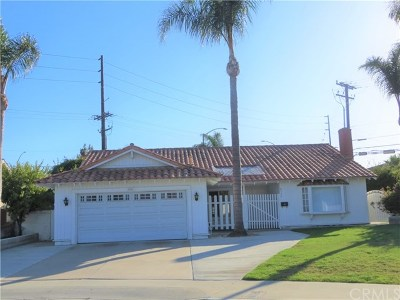 Huntington Beach Single Family Home For Sale: 8502 Sandy Hook Drive